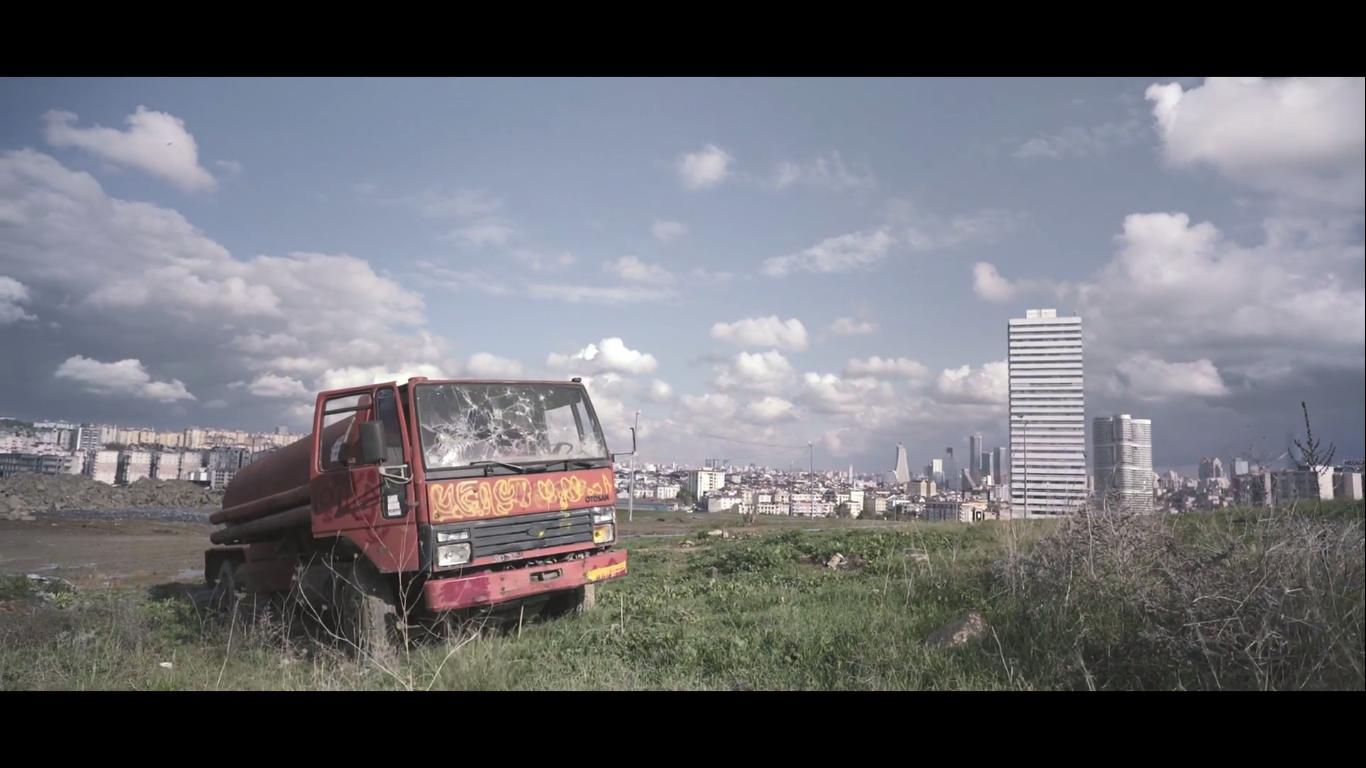 Hayatından Vazgeçme, Sevgili #postmodernsürgünler - İVA YAPI Reklamı_türkiyenin_reklamları