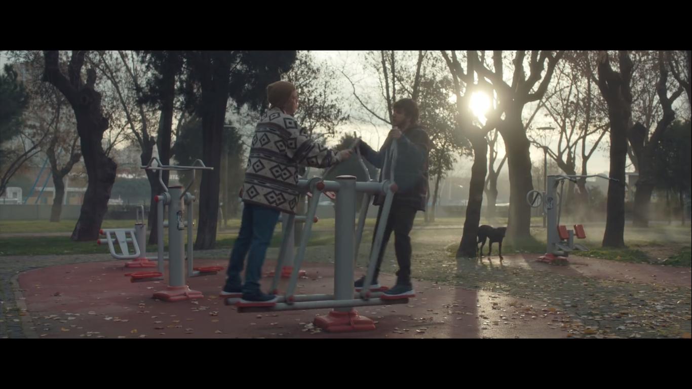 Kültür Sanat Kart ile Konuyu Değiştir, Metrobüs - İSTANBUL KÜLTÜR SANAT VAKFI Reklamı_türkiyenin_reklamları