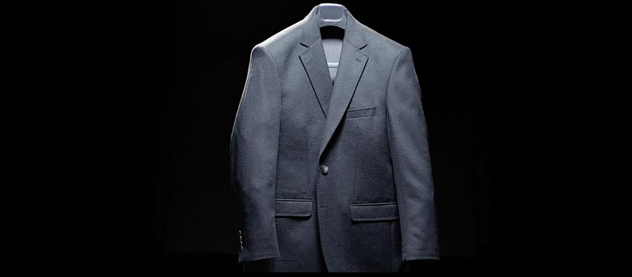 kiğılı-reklamı-türkiyenin-reklamları-reklam-ajansı-kadınlar-günü-8-mart-takım-elbise-giyim